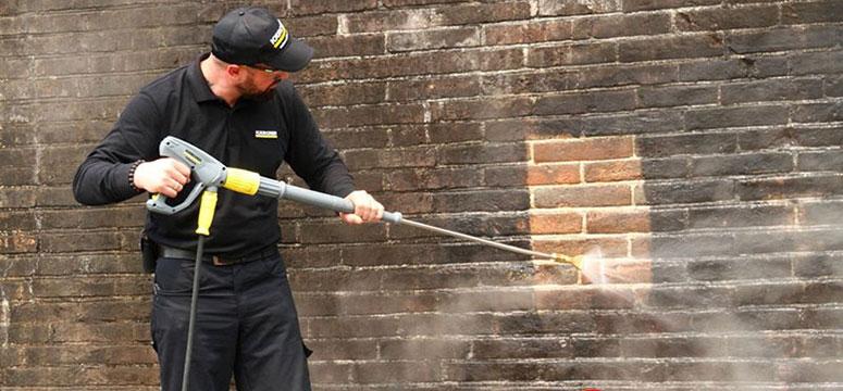 Dịch vụ xịt nước rửa tường